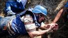4 Filistinli öldürüldü, AA kameramanı yaralandı...