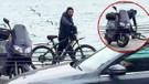 Serdar Ortaç bisikletten düştü!