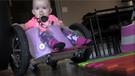 Felçli kızlarına kendi imkanlarıyla tekerlekli sandalye yaptılar