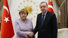 Erdoğan ile Merkel'den flaş görüşme