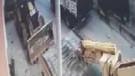 Köpekler için yaptıkları kulübeyi komşuları vinçle yıktı