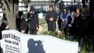 Adnan Şenses'in kızı mezarının başında isyan etti