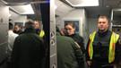 Almanya'da skandal: Uçak kapısında Türklere pasaport kontrolü!