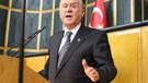 Bahçeli: Başbakan'ın bozkurt işareti eline yakışmış