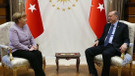 Angela Merkel, Ankara'da kaldığı 10 saat boyunca her görüşmede tutuklu gazetecileri sordu