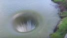 Berryessa Gölü'ndeki çukur başka bir dünyaya açılan kapı olabilir mi?