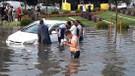 İstanbul'da cevizden büyük dolu yağdı, korkunç görüntüler ortaya çıktı