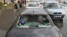 İstanbul Son Dakika: Ceviz büyüklüğündeki dolu taneleri arabaların camlarını patlattı!