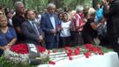 Tarık Akan mezarı başında anılıyor