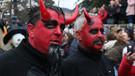 Makedonya'daki Vevçani Karnavalı'ndan çılgın görüntüler