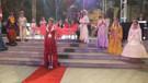 Burhaniye'de Cumhuriyet Kadınları Defilesi