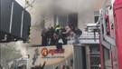 Arnavutköy'de yangın dehşeti! Çok sayıda kişi mahsur kaldı