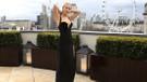 Soğuk havada elbisesiyle yürek hoplatan Jennifer Lawrence'dan eleştirilere cevap