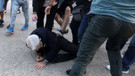 Yunan ırkçılar Atatürk'ü öven belediye başkanını dövdü!
