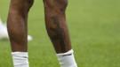 İngiliz futbolcu Sterling'in silah dövmesi büyük tepki topladı