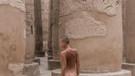 Belçikalı model Marisa Papen Ağlama Duvarı'nda çıplak poz verdi