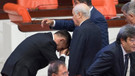 Meral Akşener'den çok sert el öpme tepkisi!