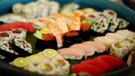 100 tabak suşi yedi restorana girişi yasaklandı