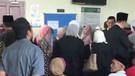 Malezya'da eşcinsel kadınlar mahkeme salonunda kırbaçlandı