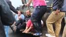 Beykoz'da mahsur kalanlar iş makinesiyle kurtarıldı