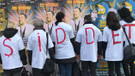 Aktivistlerden Nusr-Et'in önünde dikkat çeken protesto
