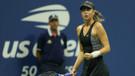Sharapova son şampiyon Wozniacki'yi eledi