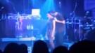 Drake'in sahnede 17 yaşındaki bir kızı öptüğü ortaya çıktı