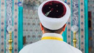 Özkök: İnsanlarımız din görevlilerine güvenmiyor, cami cemaati siyaseti çökmüştür
