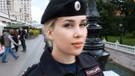 Rusya'nın güzel kadın polisleri: Herkes fotoğraf çektirmek istiyor