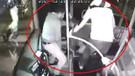 Otobüste genç kızı taciz eden adamı dövüp karakola teslim etti