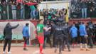 Şampiyonluk maçı saha olayları nedeniyle tamamlanamadı: 5 gözaltı, 7 kırmızı kart