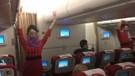 Türkiye'ye ilk uçuşunu yaptı! Çinli hosteslerden dans şov