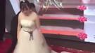 Eski sevgilisinin düğününü gelinlikle bastı!