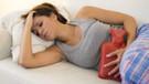 Regl ağrısı 9 verimli iş gününe mâl oluyor!
