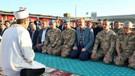 Süleyman Soylu'nun canlı yayınlanan askerlerle namaz görüntüleri sosyal medyayı salladı