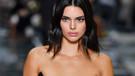 Kendall Jenner çıplak fotoğrafıyla takipçilerinin yüreğini hoplattı!