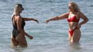 Tallia Storm kırmızı bikinisiyle nefes kesti