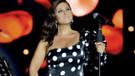 Sibel Can Kıbrıs'ta puantiyeli elbisesiyle göz doldurdu!