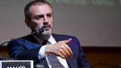 AK Partili Ünal Gül ve Davutoğlu'na sert çıkıştı