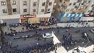Diyarbakır'da kayyum gerilimi! HDP'lilerin basın açıklamasına polis engeli