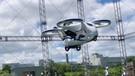 Japonya'da uçan otomobilin prototipi ile deneme uçuşu yapıldı