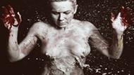 AIDS sergisi için çırılçıplak!!! Kalkavan objektif karşısına geçti!!!