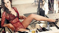 Nurgül Yeşilçay'ın en seksi kamera arkası görüntüleri!