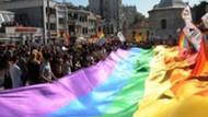Taksim'de trans, gay, lezbiyen yürüyüşü! Direniyoruz ayol...