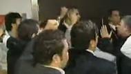 CHP'de flaş gelişme! Önder Sav taraftarları MYK'yı bastı!