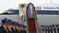 İran'ın karton Humeyni'si alay konusu oldu!