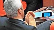 Hangi vekil Erdoğan'ın konuşması sırasında maç seyretti?