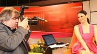 Arif Sağ canlı yayında Oylum Talu'nun fotoğraflarını çekti!