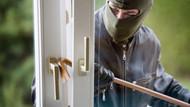 Yılın en tuhaf hırsızlığı! Girdikleri evden bakın ne çaldılar?
