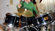 4 yaşındaki baterist Baha, hayran bıraktı!